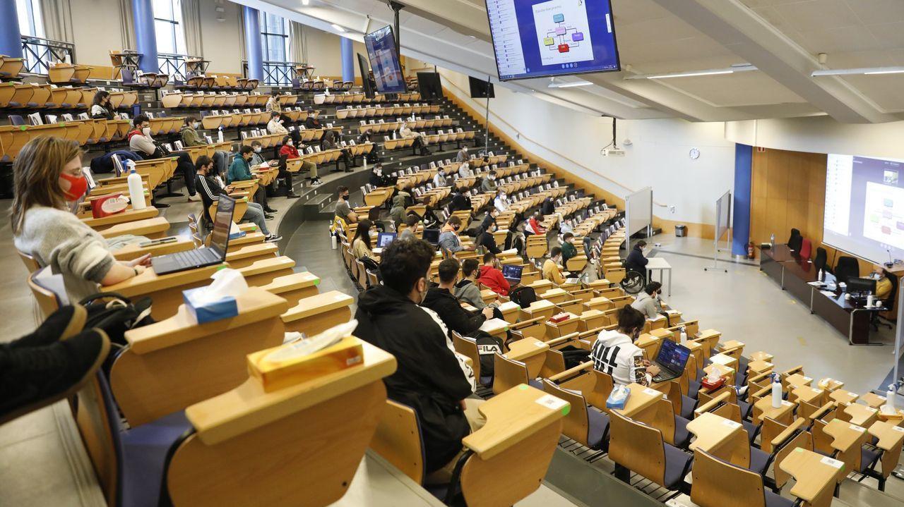 Imagen de archivo de un aula en el campus de Ourense,  donde han cerrado ya seis carreras