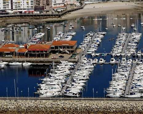 El puerto deportivo Juan Carlos I cuenta con bandera azul y con el distintivo Q de Calidad.