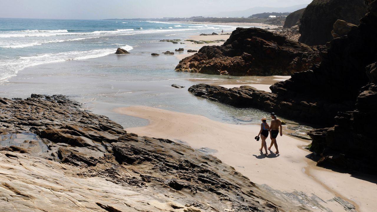 El Congreso debatela sexta prórroga del estado de alarma.En playas de A Mariña se ha visto en los últimos días gente recién llegada de fuera de Galicia