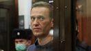 Navalni en el tribunal que le condenó a dos años y ocho meses de cárcel
