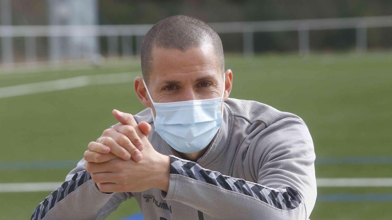 El técnico granate Luisito, durante uno de los entrenamientos de esta semana