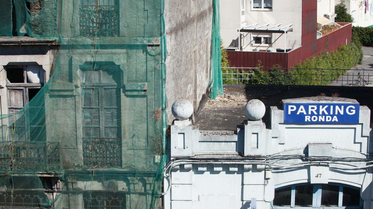 Estado ruinoso de una vivienda en la Ronda da Muralla, en Lugo