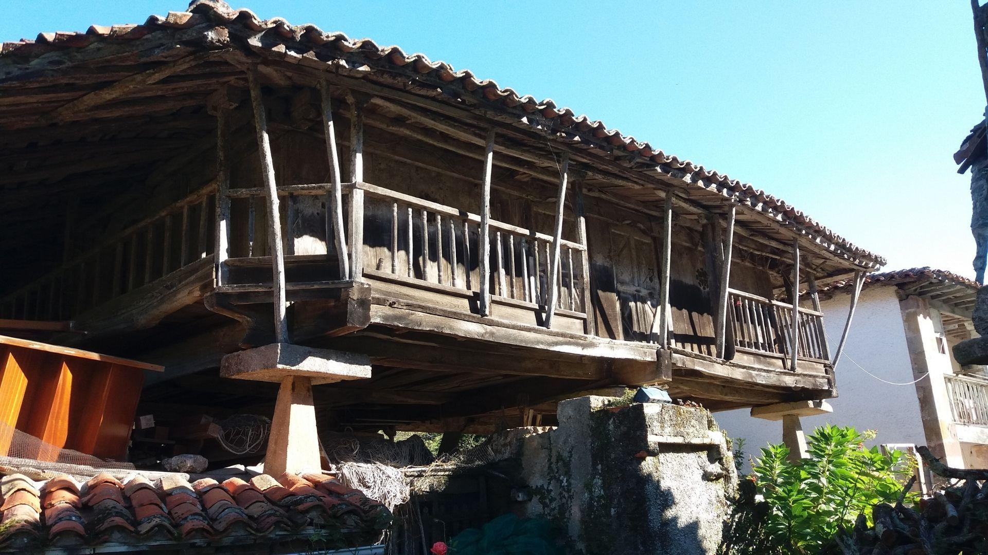 Panera del siglo XVII o de Maliayo en VegaPernús (Colunga).