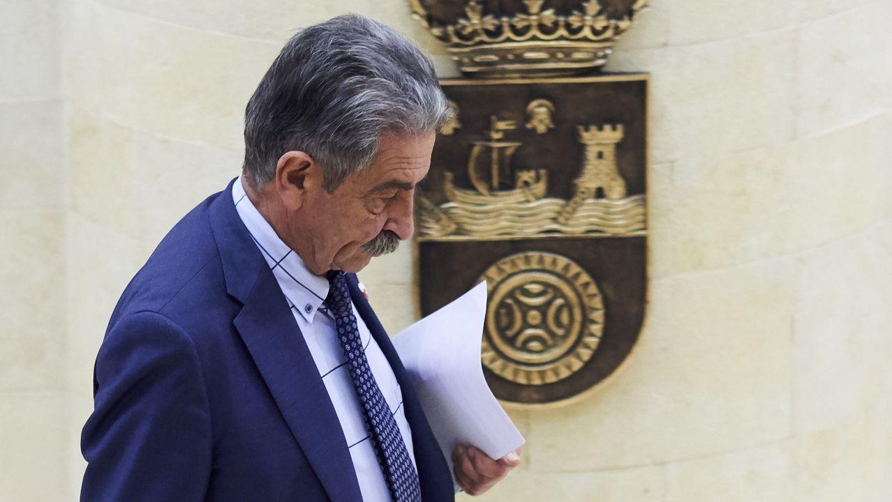 El Consejo de Política Fiscal y Financiera se reunirá el viernes.Revilla y Sánchez en una imagen de archivo
