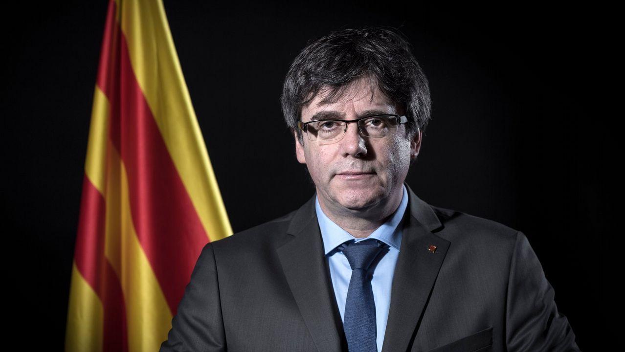 Miles de personas reclaman en Barcelona «seny» y un nuevo Govern.El presidente del Parlamento catalán rechazó ayer las propuestas para desbloquear la legislatura