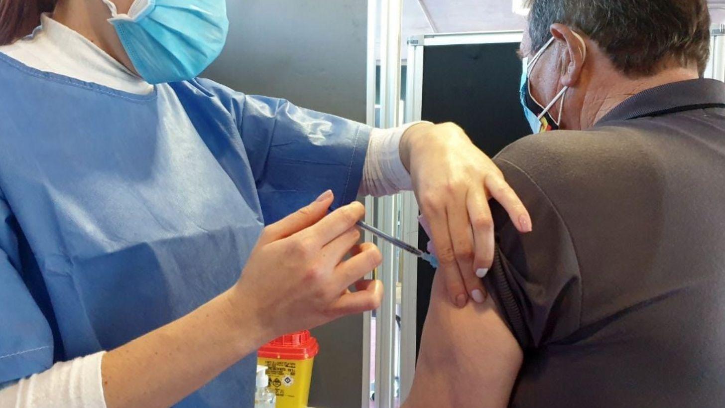 Vacunas contra el coronavirus que se inoculan en el Palacio de Exposiciones de La Magdalena, en Avilés.