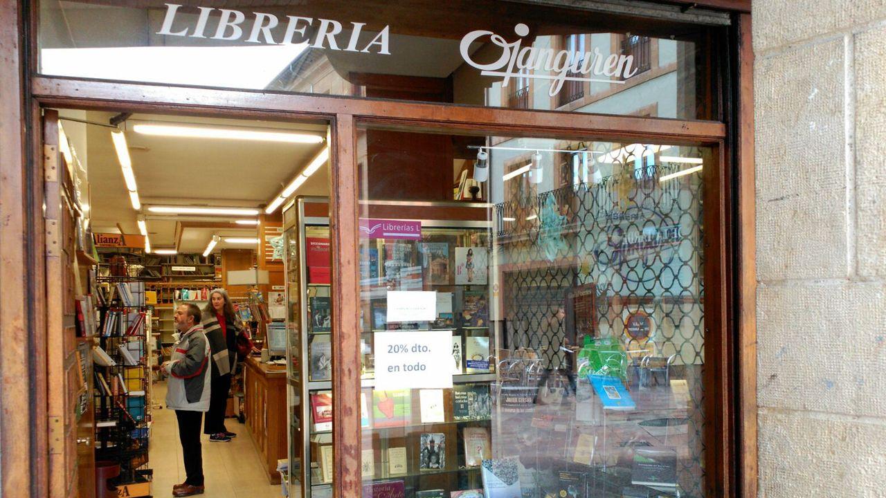 Librería Ojanguren.Protesta en Italia en contra del brazalete patentado por Amazon