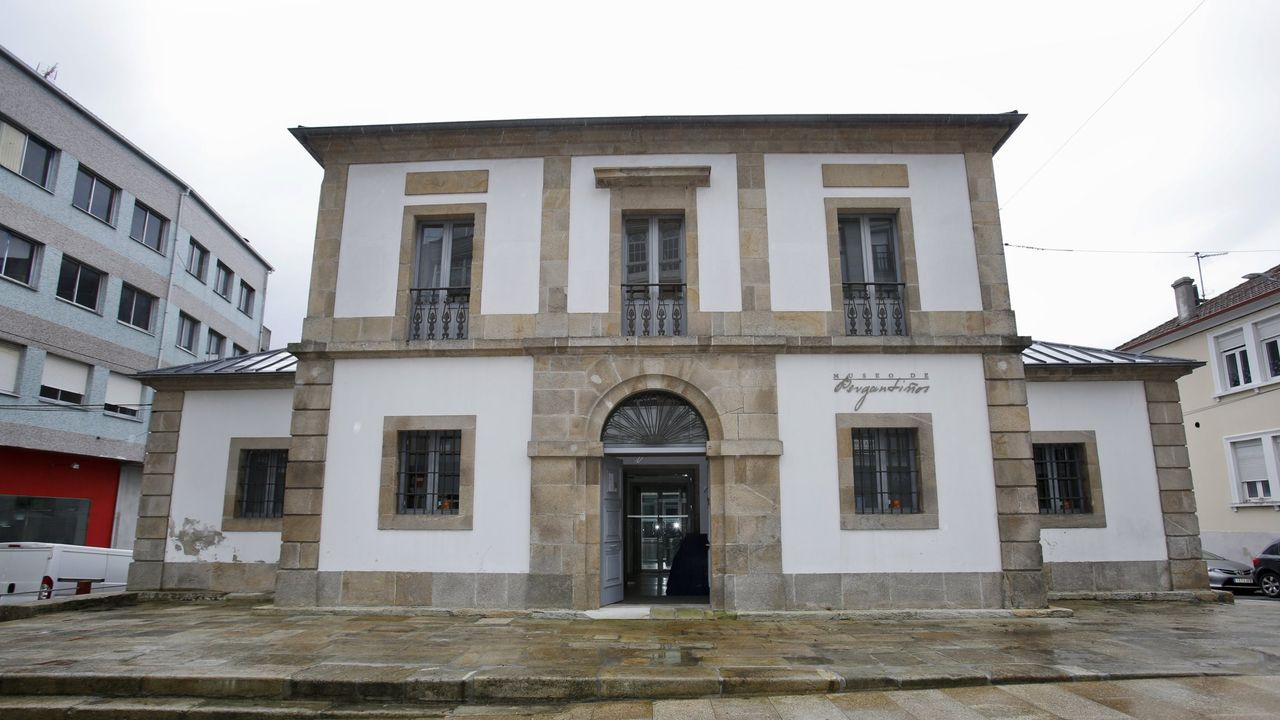 Una de la zona de la ORA en Gijón.Antigua cárcel de Carballo, hoy Museo Bergantiños