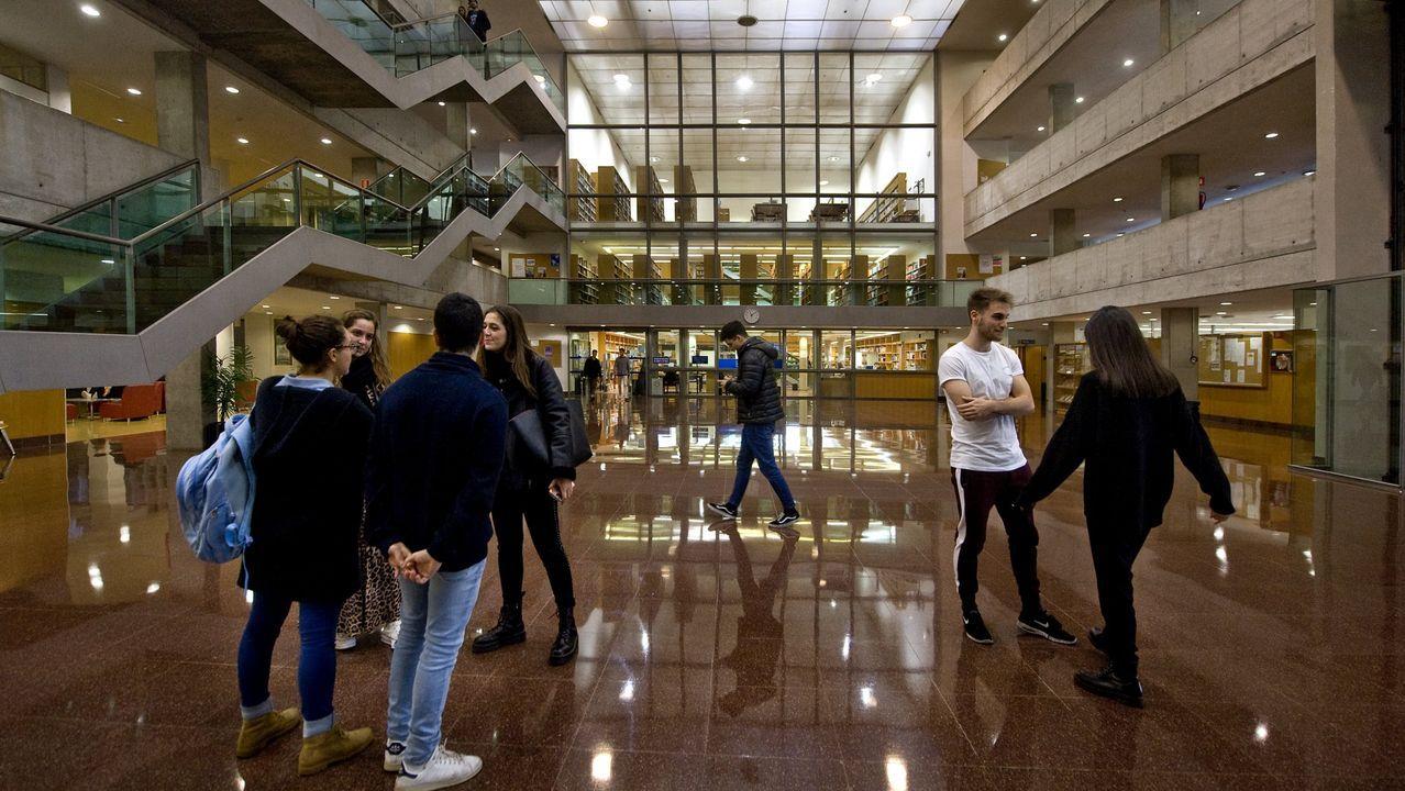 Alumnos en la Facultad de Derecho de la Universidade de A Coruña