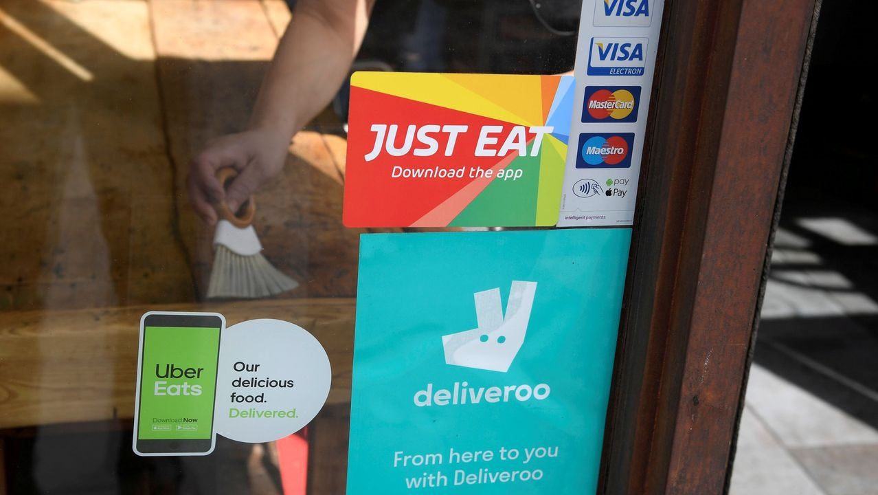 Just Eat y Takeaway competirán con las plataformas Deliveroo y Uber Eats