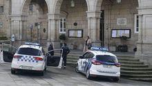 La Policía Local de Ourense sigue con las advertencias pero ya denunció a personas que desobeceden la prohibición de salir sin causa a la calle.