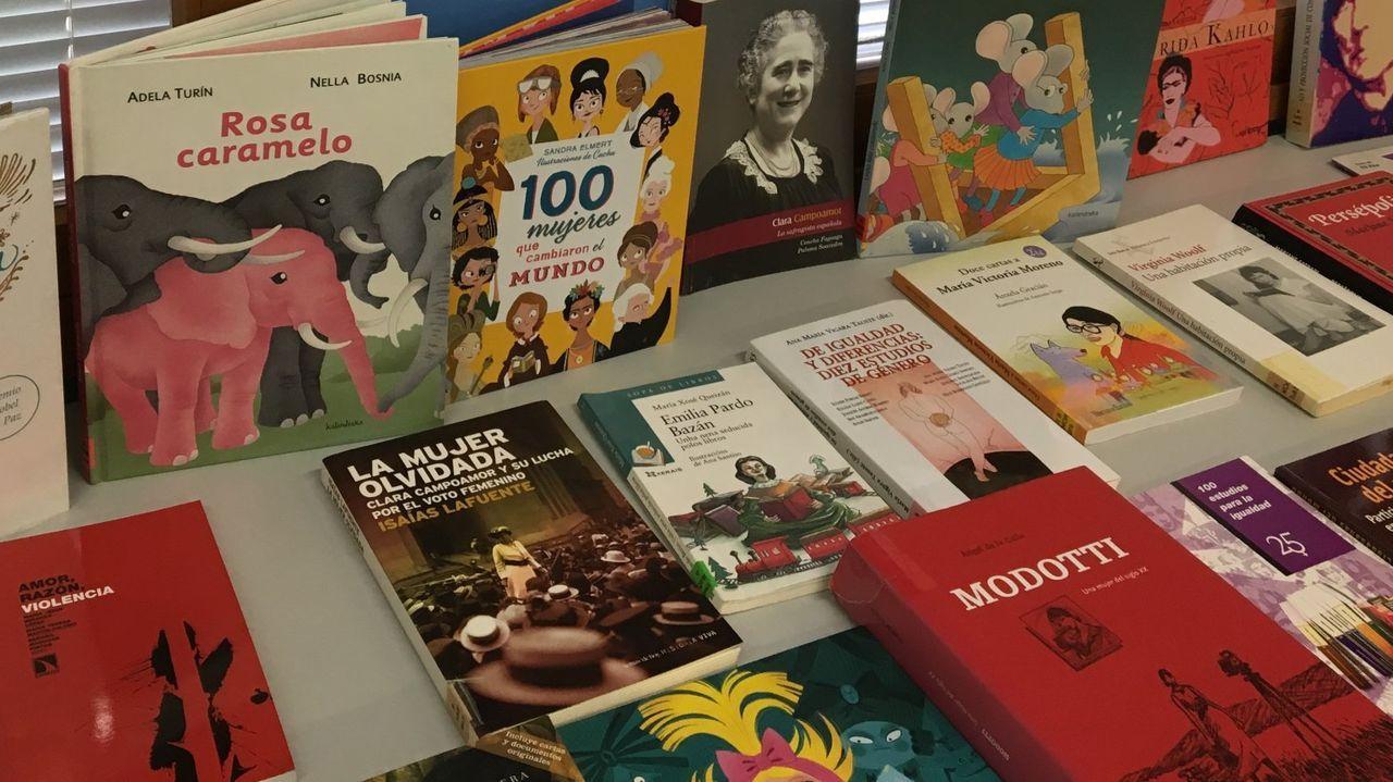 Maristas se empapa de escritoras gallegas.García Negro é autora da biografía de Carvalho Calero que La Voz ofrece o vindeiro día 31