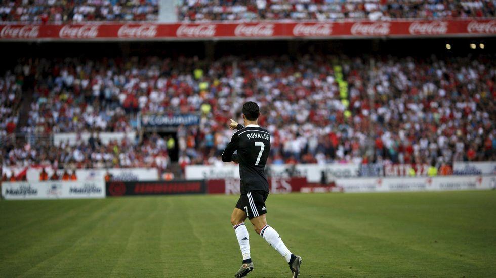 Vídeo: Así fue la pelea de los Riazor Blues y el Frente Atlético.Cristiano Ronaldo celebra un gol en el Pizjuán
