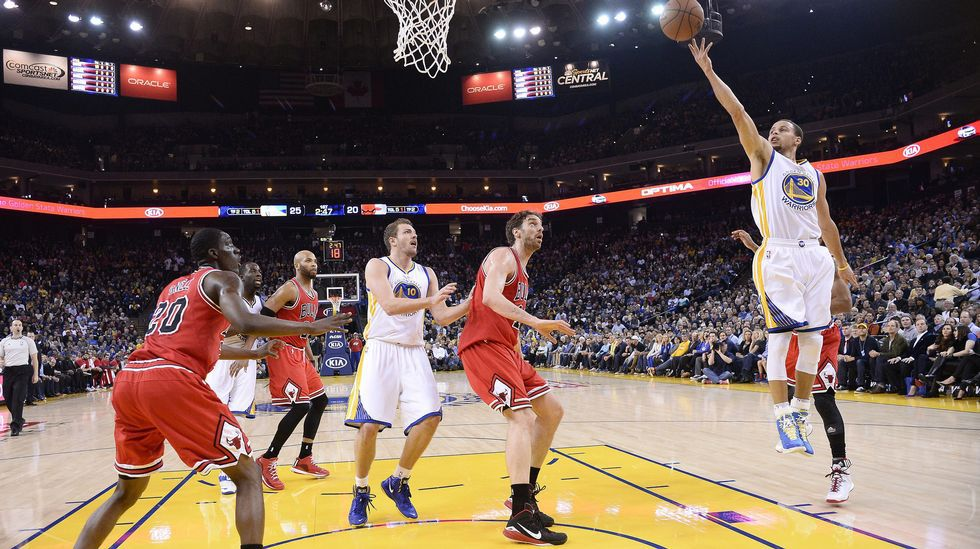Los Chicago Bulls de Pau Gasol se impusieron 111-113 a los Golden State Warriors.