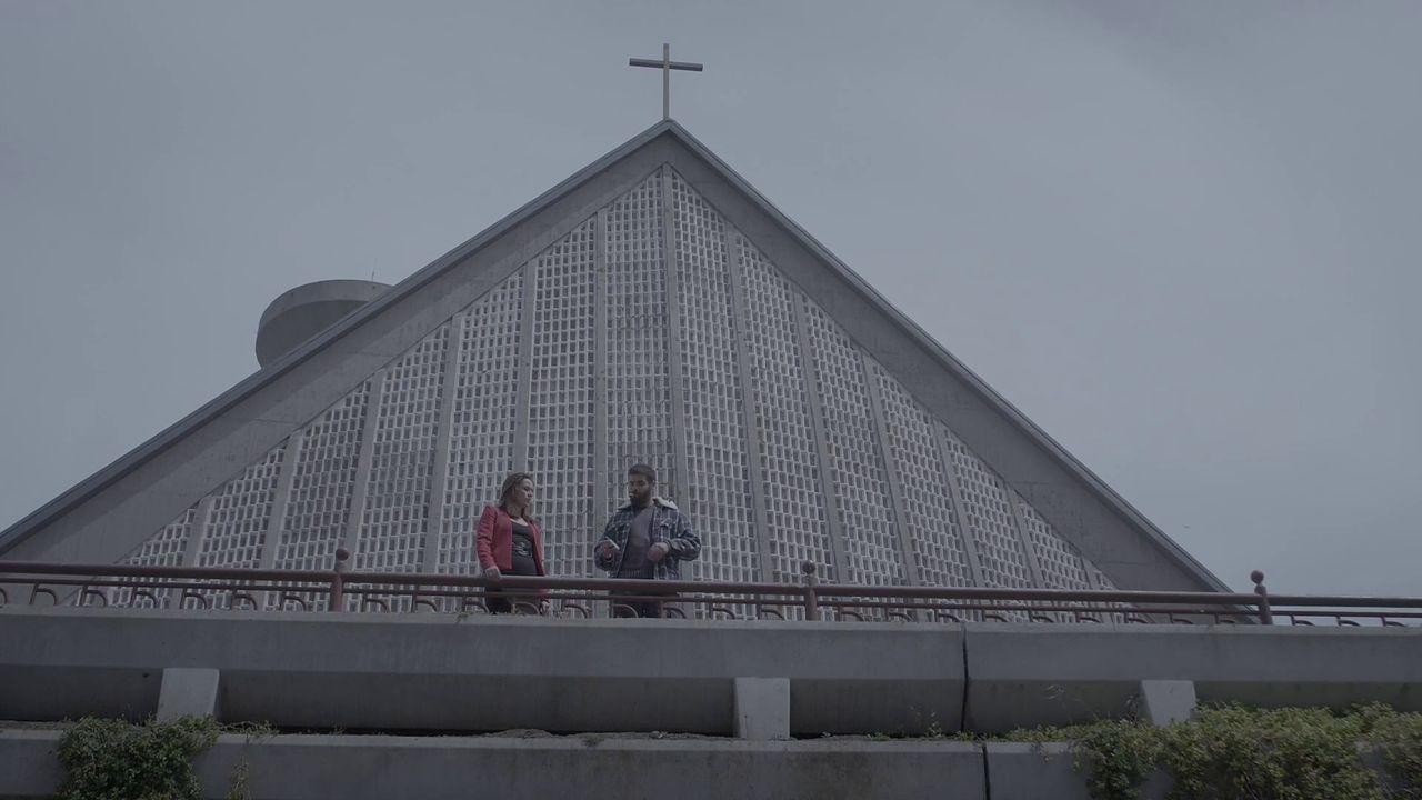 escenarioses.La iglesia de San José no es el único escenario de Monte Alto, donde también se grabó en una residencia de mayores. Os Castros, el parque de Eirís y Os Mallos, donde está el piso de una de las protagonistas, son otros de los platós reales