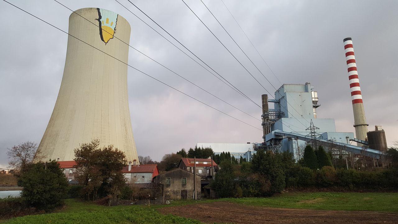 Visita del Obradoiro a parques eólicos de Paradela.El consejero de Industria, Empleo y Promoción Económica, Enrique Fernández