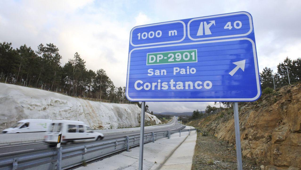 guardia civil asturias.De la A-56, entre Lugo y Ourense, solo está en servicio un tramo de 8,8 kilómetros. En Vilamarín (en la foto) se ejecutaron 400 metros antes de paralizarse las obras