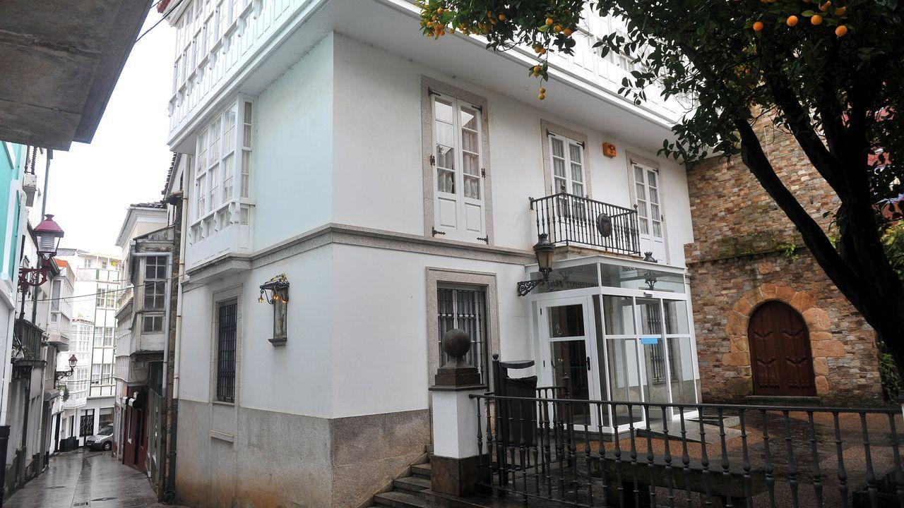 La hostelería protesta de nuevo contra las medidas anticovid.Las nuevas oficinas del Servicio Público de Empleo de Principado de Asturias (Sepepa) en el barrio de La Ería de Oviedo