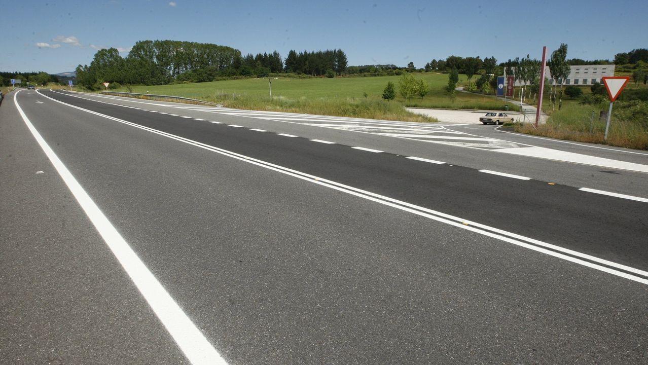 Una imagen de archivo del tramo de la N-120 en la salida de Monforte hacia A Pobra do Brollón, donde se produjo el accidente
