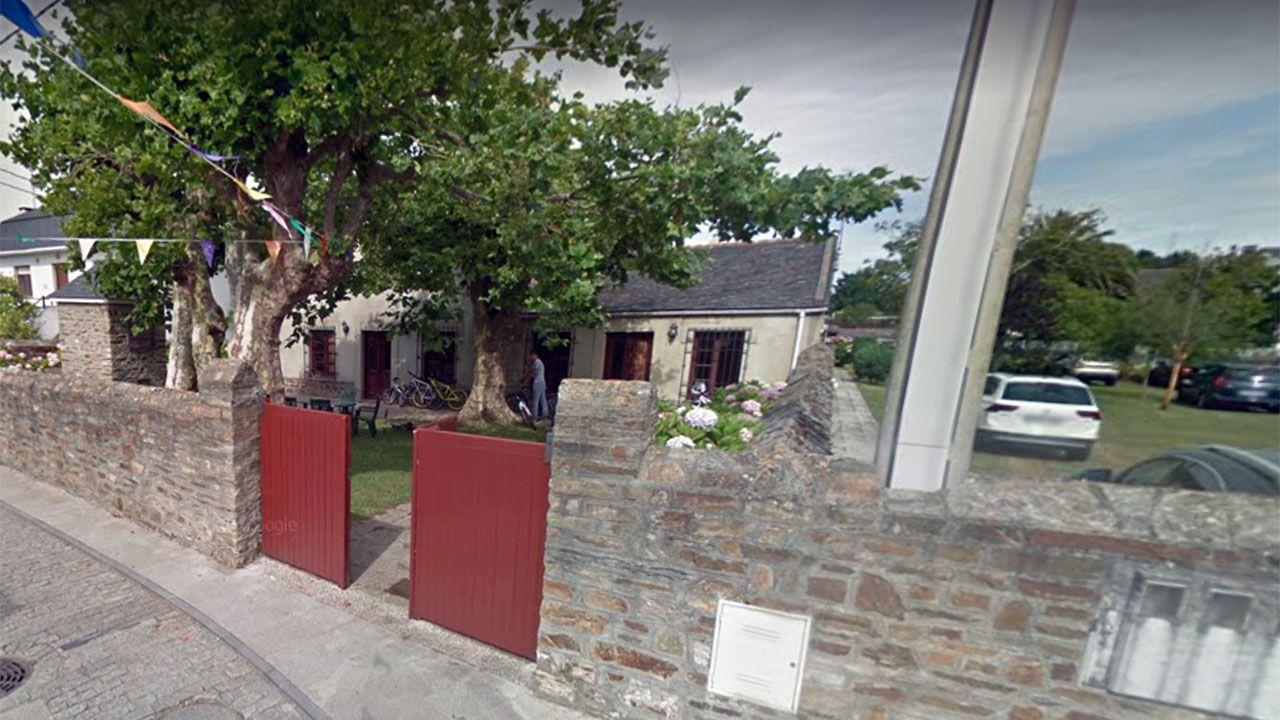 La conservera convertida en vivienda de veraneo de Ortega Smith en Figueras.Teatro Jovellanos