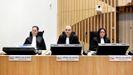 Los fiscales  Thijs Berger, Ward Ferdinandusse y Dedy Woei-a-Tsoi, en el segundo día de juicio sobre este caso en el tribunal de Schiphol, en las afueras de Ámsterdam