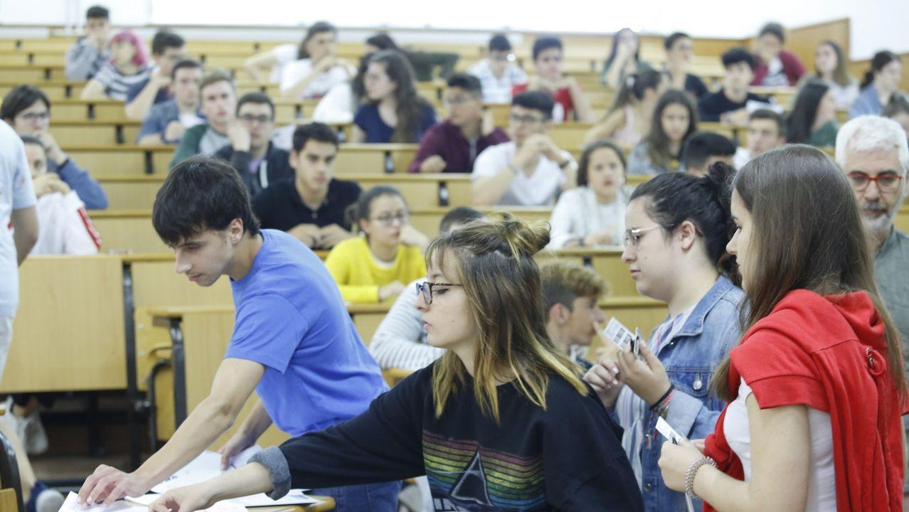 La CIUG entrega las etiquetas de cada alumno y las hojas de examen, que deben devolverse siempre, aunque no se haya escrito nada en ellas