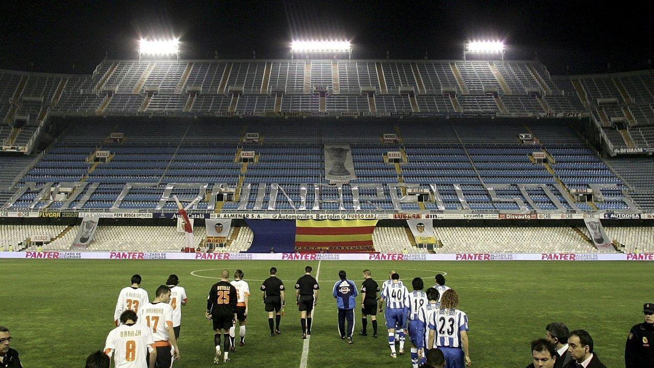 Los futbolistas azules celebran un gol ante el Sporting B