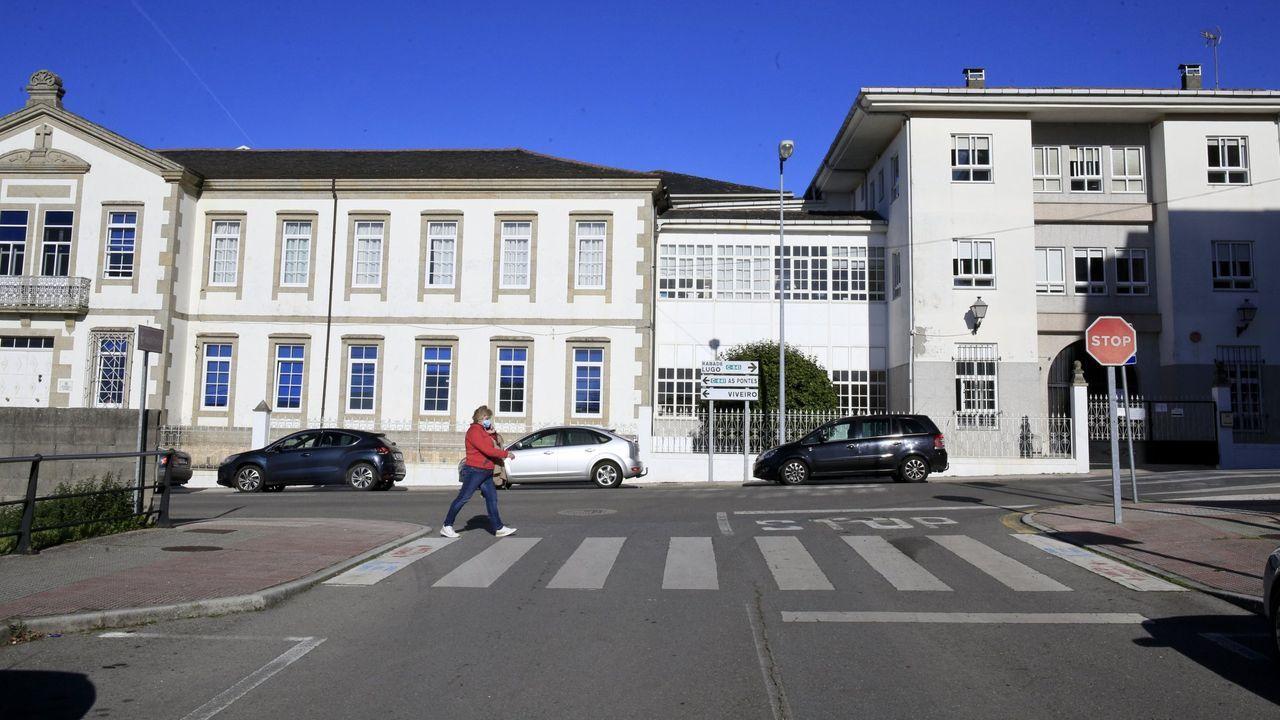 Fachada principal de la residencia de Vilalba, situada en la calle Plácido Peña
