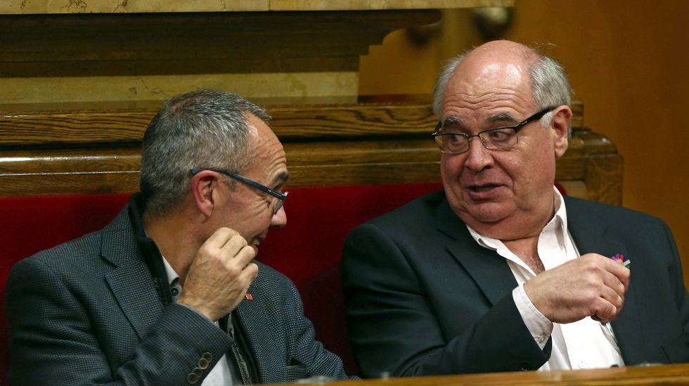 El líder de Catalunya Sí que es Pot, Rabell, con el portavoz de su grupo, Coscubiela.