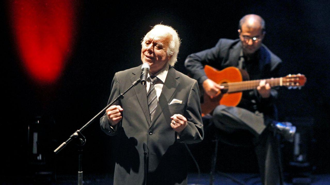 El fadista Carlos do Carmo, en una actuación en A Coruña en el 2012