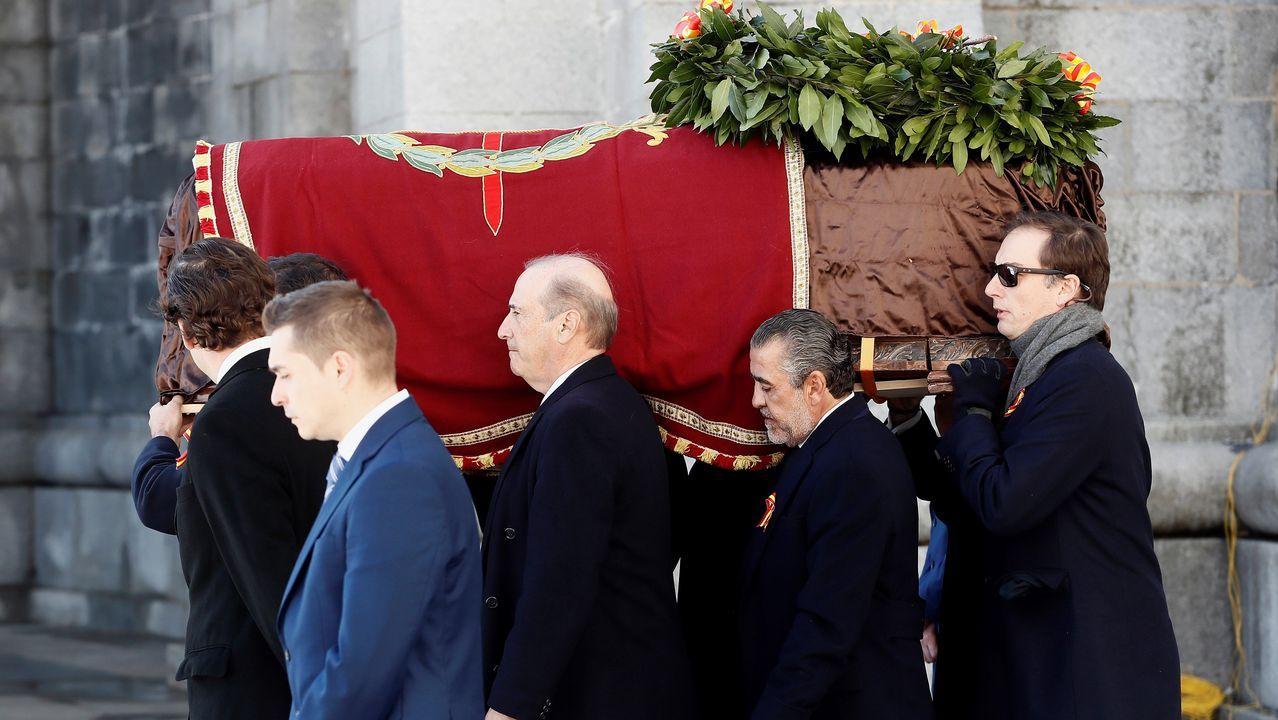 La exhumación tuvo momentos de tensión entre el Gobierno y los familiares del dictador.Foto de archivo de Adriana Lastra, vicesecretaria general del PSOE, y Gabriel Rufián, portavoz de ERC en el Congreso