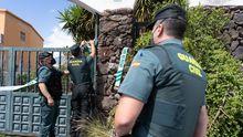 Un gran dispositivo de la guardia civil registra la casa del padre de Ni