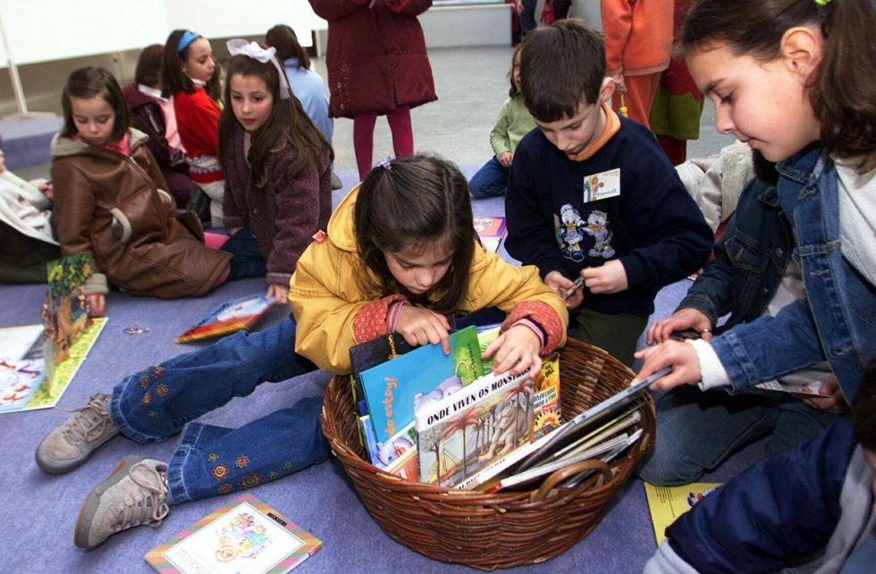 <span lang= gl >«Galicia imaxinada nas revistas da emigración»</span>.En el acto del domingo se entregarán pins alusivos.