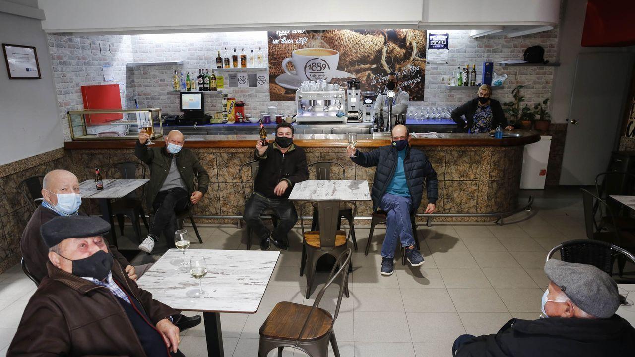 Los vecinos de San Cibrao disfrutaron de la apertura de las restricciones