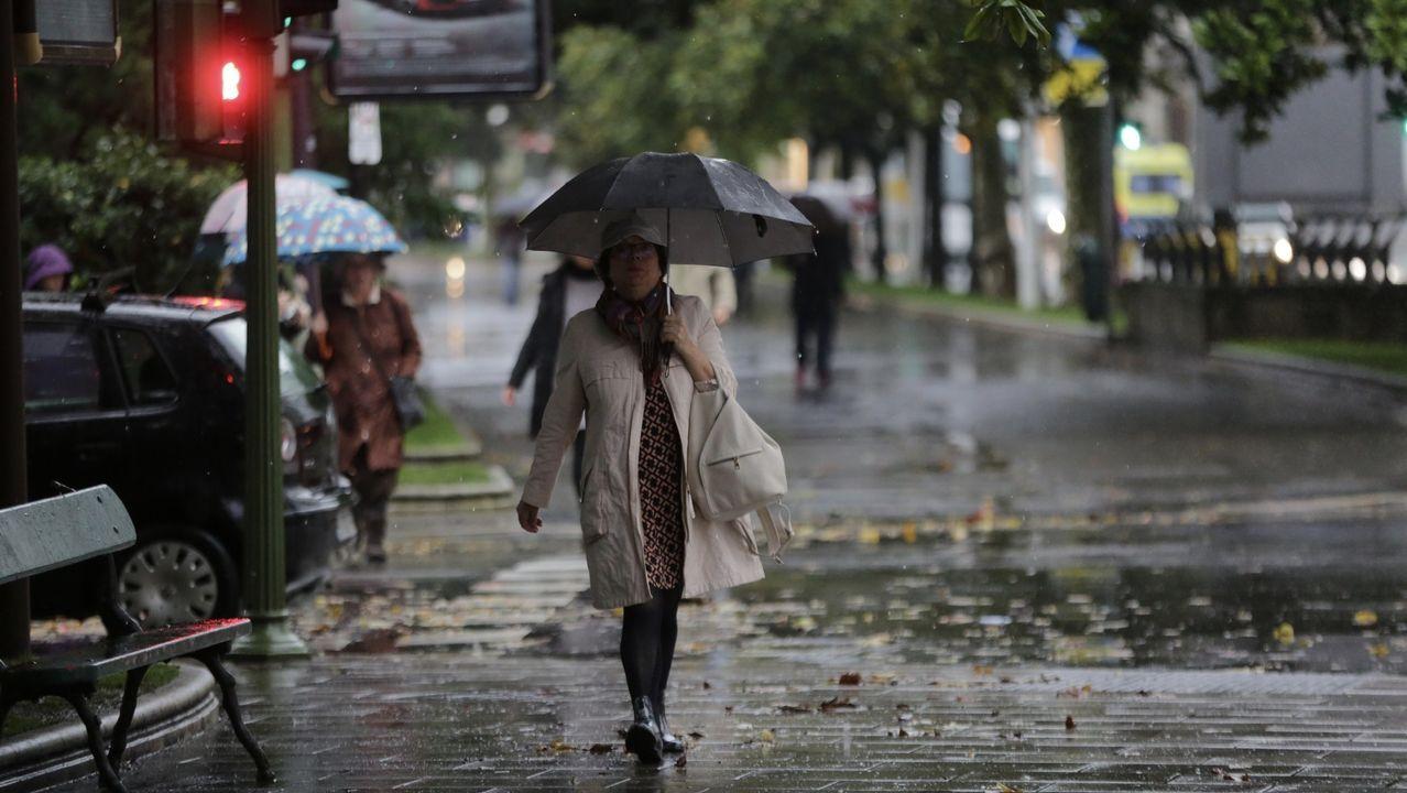 Lluvia en A Coruña en la mañana de este viernes