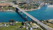 Puente que une Ribadeo y Castropol