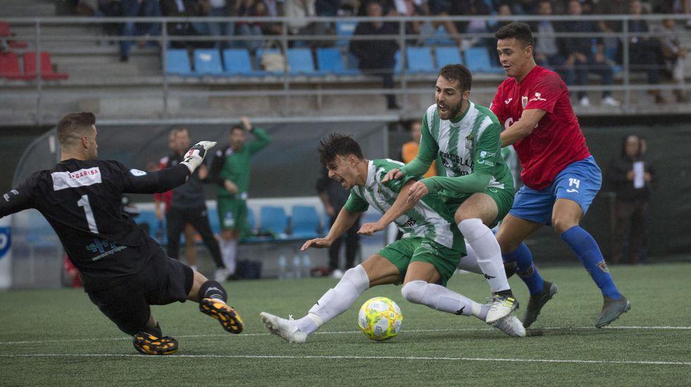Resumen fotográfico del encuentro entre el Bergantiños F C y UD Somozas