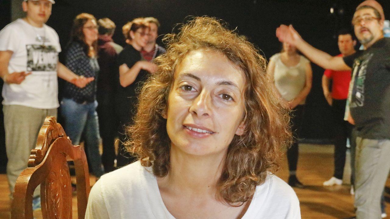Carlota Pérez: «El arte tiene que ser para todos».Carmen Suárez, junto a su hijo Lucas