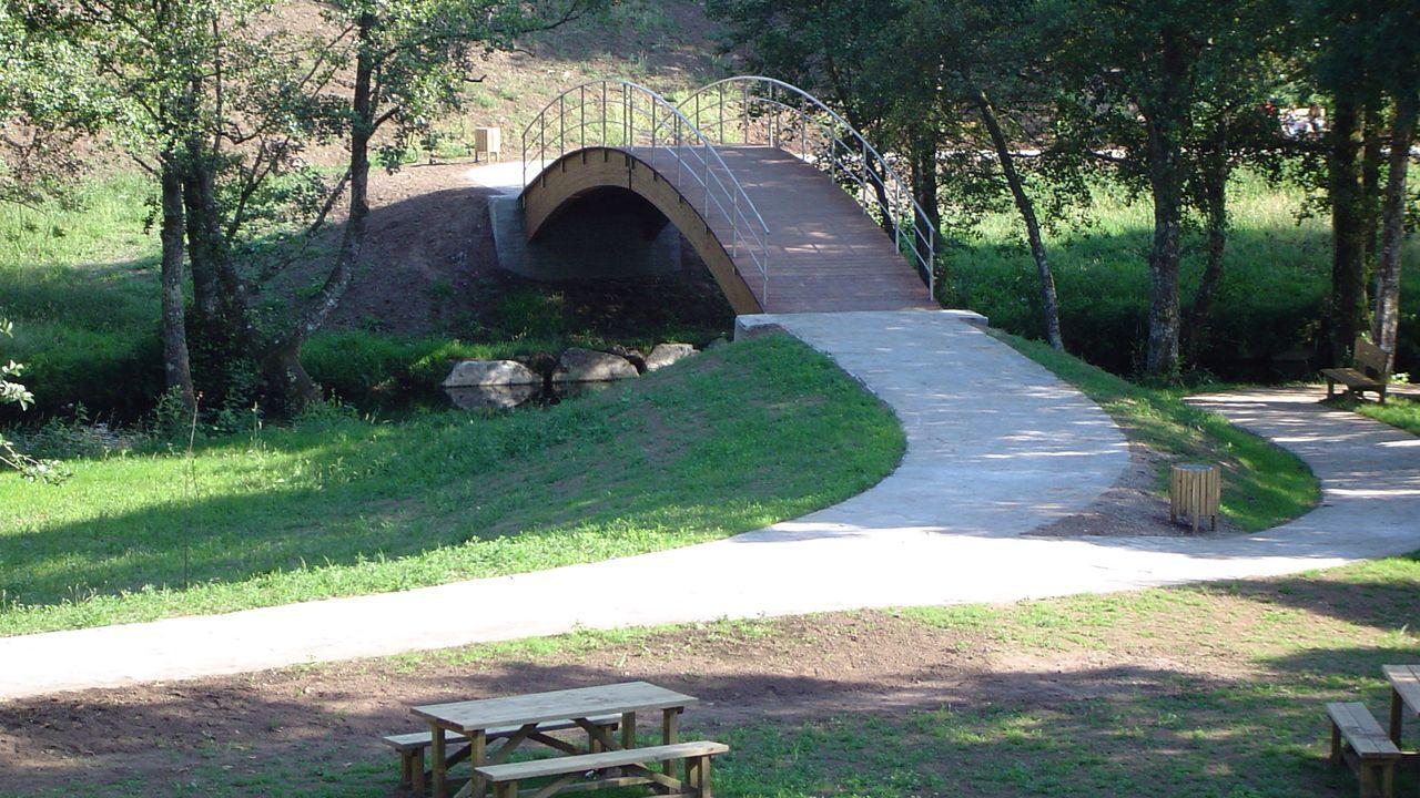 Foto de archivo del paseo fluvial del río Narla, en Friol