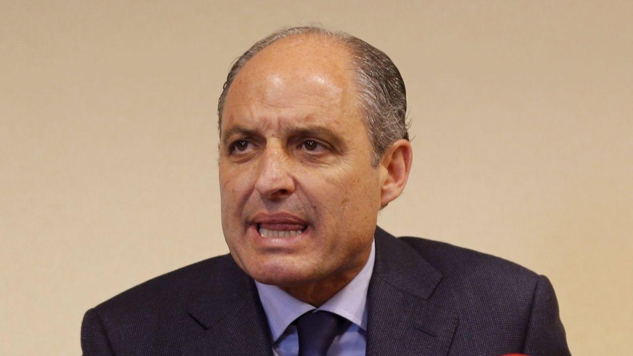 Ricardo Costa: «Sí, el PP se financiaba con dinero negro».El Bigotes, a la izquierda, junto a Crespo en una sesión del juicio