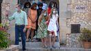 La infanta Sofía llega a Petra con muletas