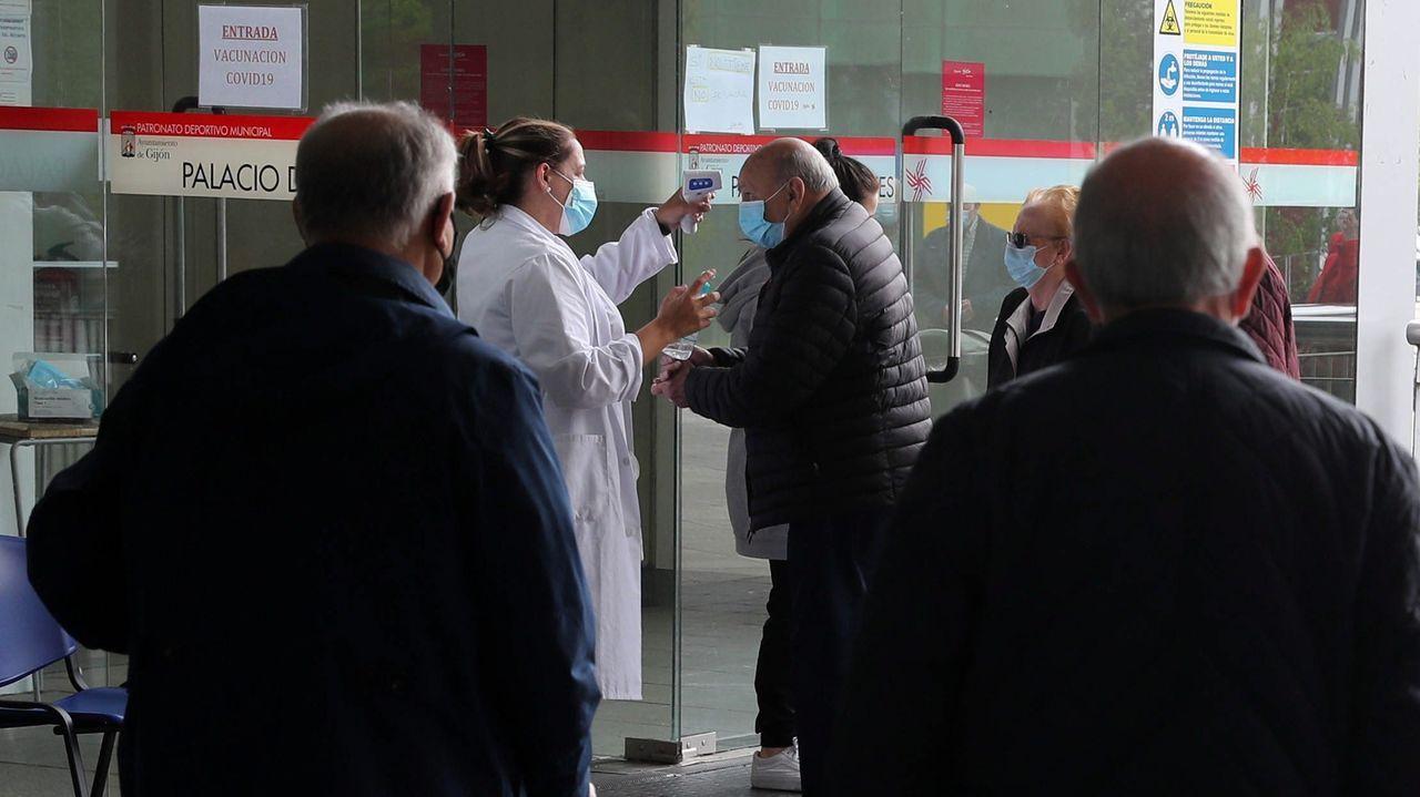 Vacunación contra el coronavirus en Gijón