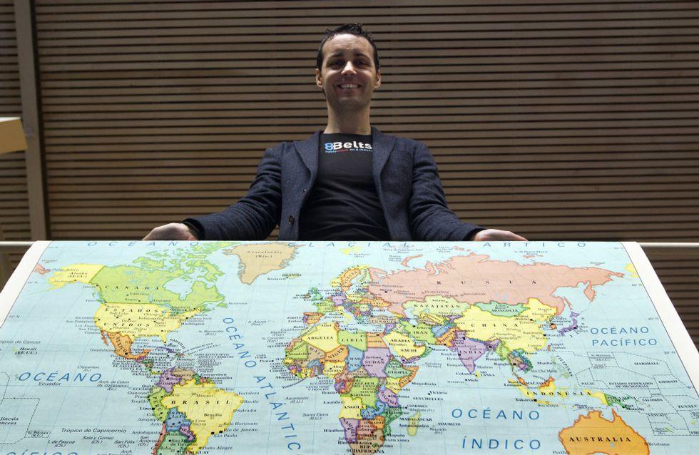 Las conversaciones de Omar Mateen con la Policía.Anxo Pérez, con un mapa del mundo: a raíz de su método «8Belts», para el aprendizaje de un idioma en 8 meses, tienen alumnos en 50 países.