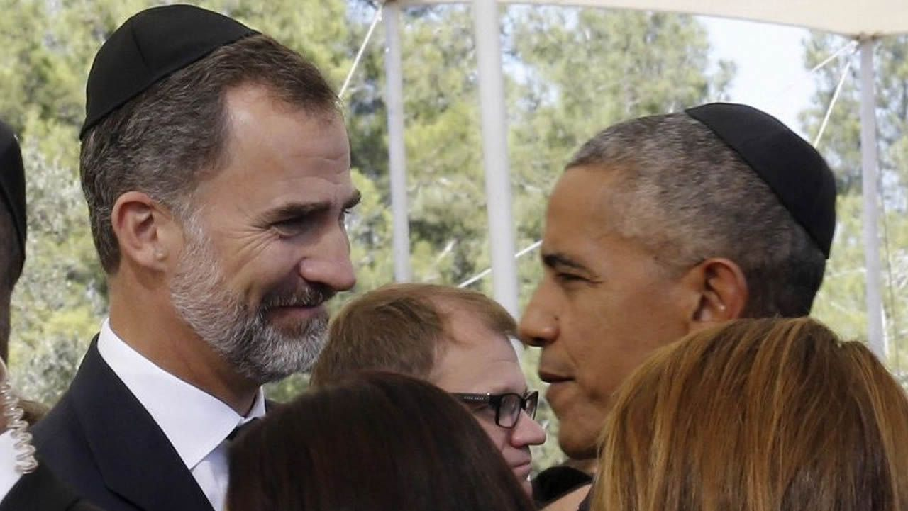 Con Barack Obama, en el funeral del expresidente israelí Simon Peres