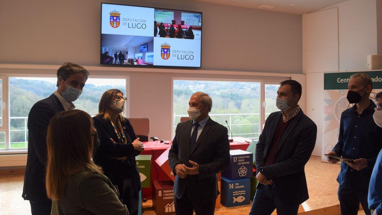 O presidente da Deputación, José Tomé, visitou as melloras tecnolóxicas aplicadas na UNED
