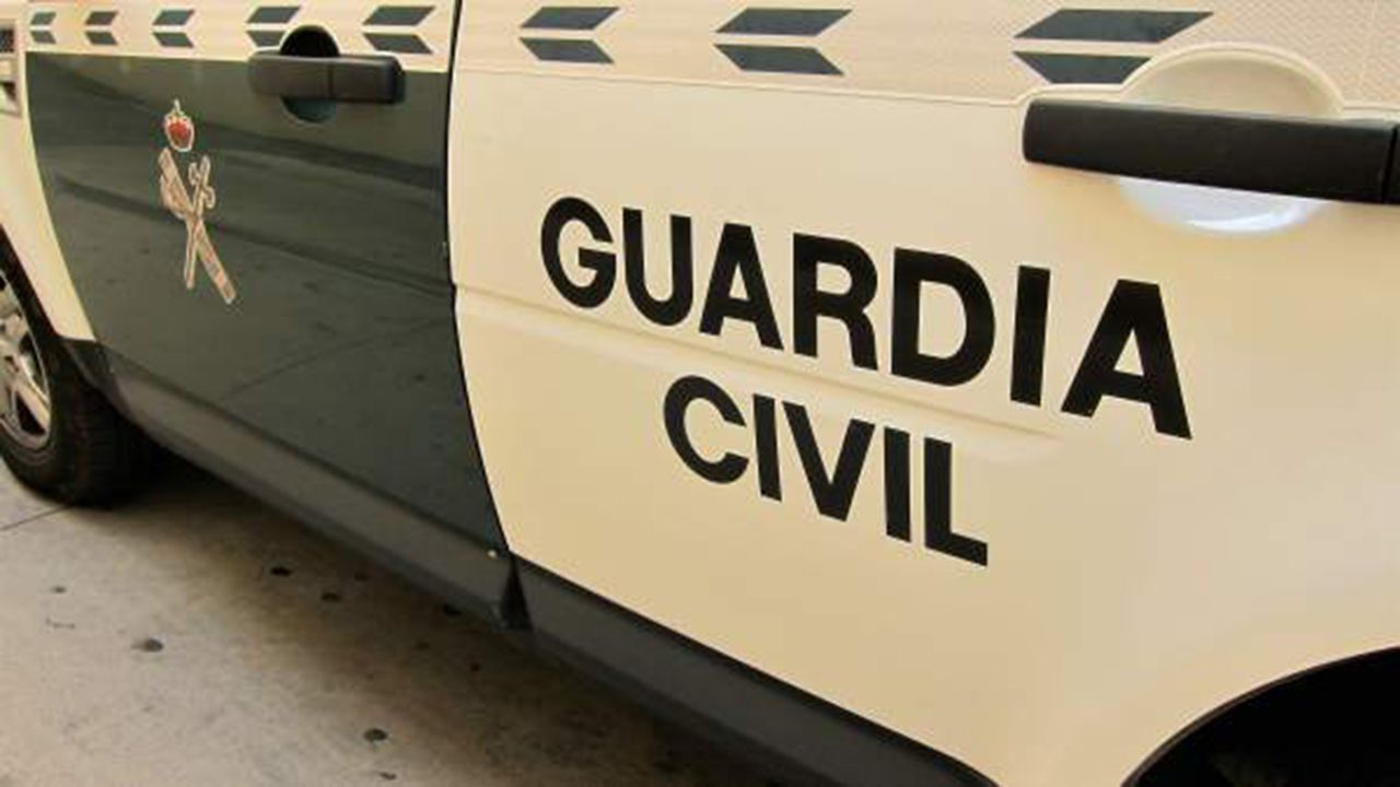 Test covid.Coche de la Guardia Civil