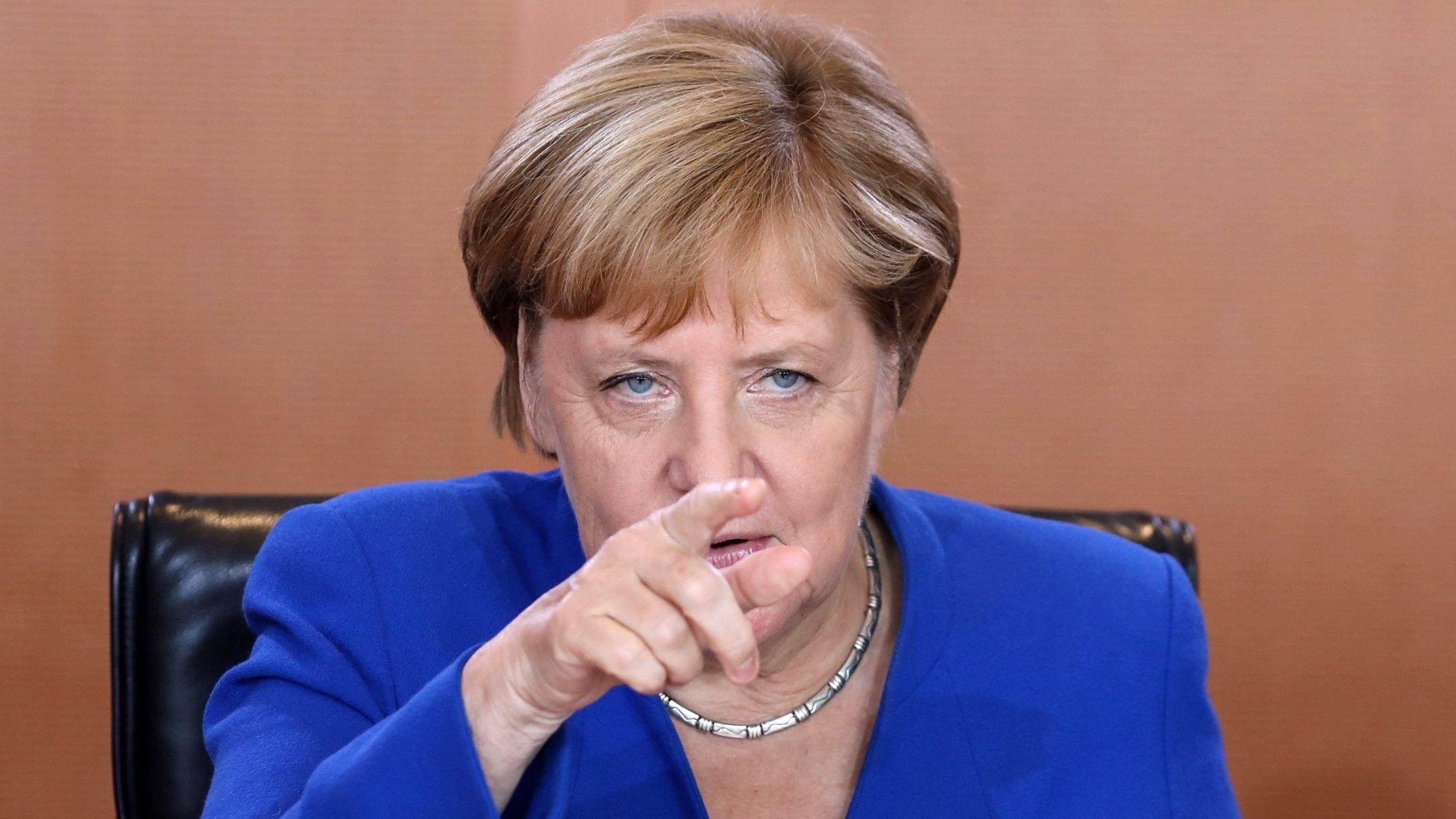 El Gobierno de Angela Merkel está escrutando las cuentas de los residentes de otras nacionalidades comunitarias