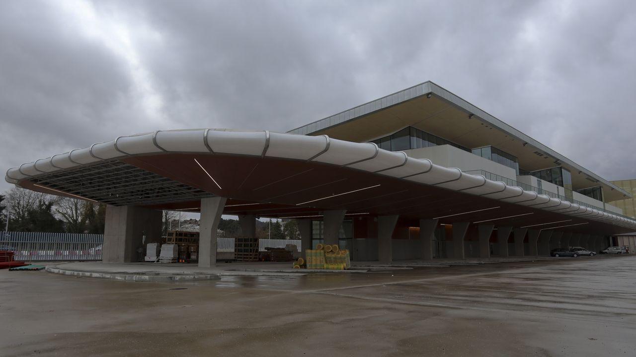 Cribado masivo en Viveiro.La nueva estación de autobuses de Santiago, conectada con la terminal ferroviaria, será inaugurada en marzo