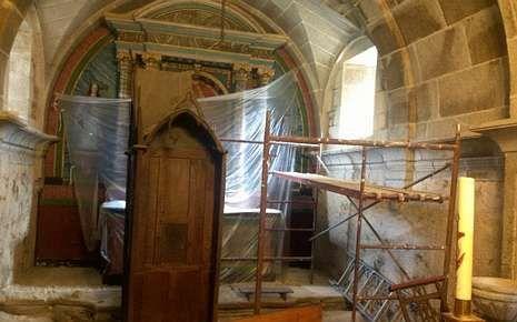 Imagen de las obras en el interior del templo de Santaia