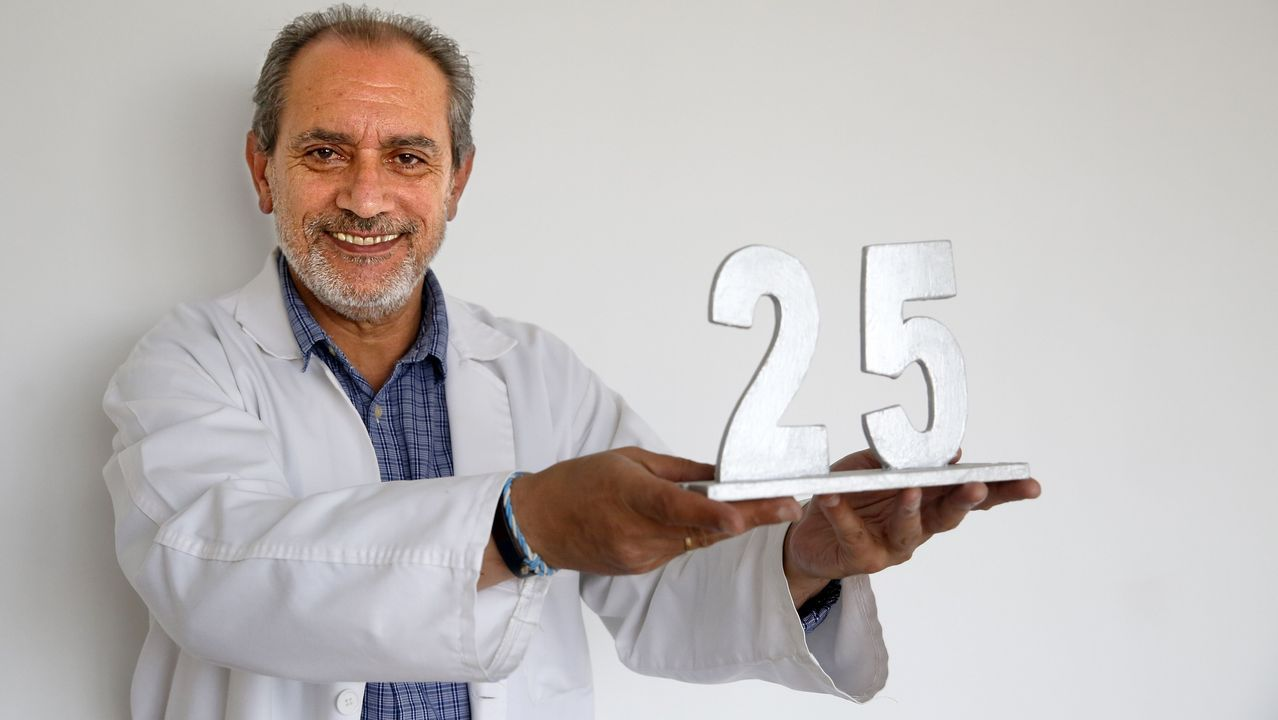 Científicos españoles eliminan el VIH con trasplante de células madre.Cartel que anuncia la marcha entre Arriondas y Cangas de Onís para protestar contra la visita de los reyes